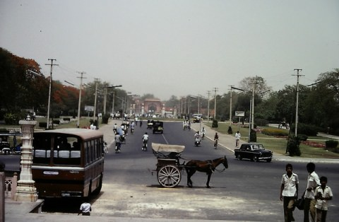 Horse-drawn carriage on the Indian roads