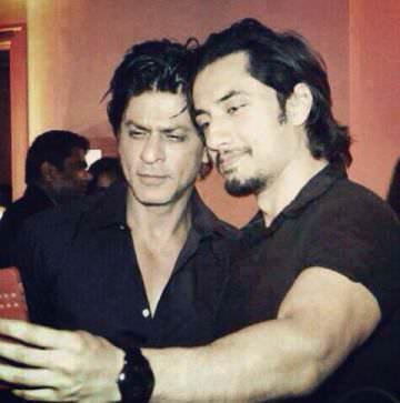 Shah Rukh Khan with a fan