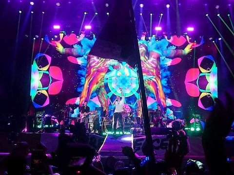 Coldplay performing