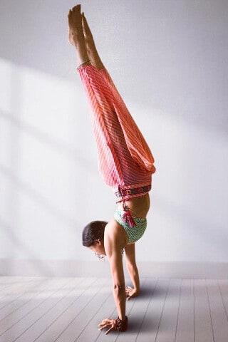 Shammi Gupta: Handstand Yoga Practice